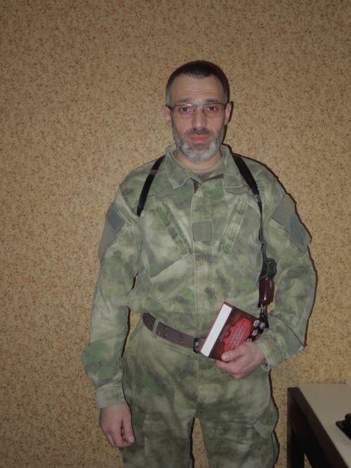 «Настоящие герои Донбасса - это его жители»: боец ДНР «Шиба» рассказал о подвигах мирного населения Донецка