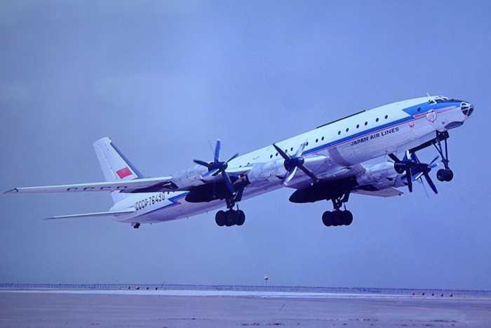 Пассажирский самолёт Ту-114