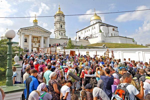 Режим Порошенко – это грядущий захват Почаевской лавры