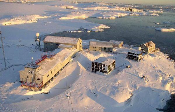 Избирательный участок в Антарктиде на станции «Академик Вернадский»