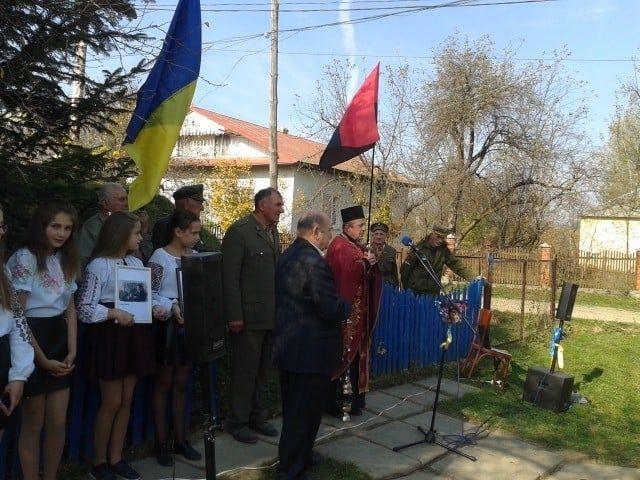 Митинг в Старом Угринове в честь столетия со дня рождения убийцы евреев Оленюка