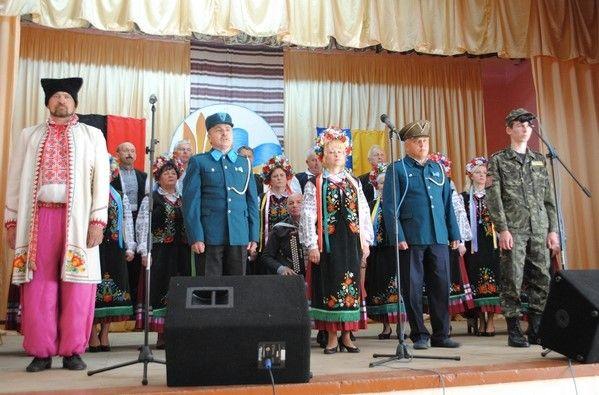 Торжественный концерт в школе Жвирки в честь 100-летия со дня рождения нацистского преступника Васыляшко.