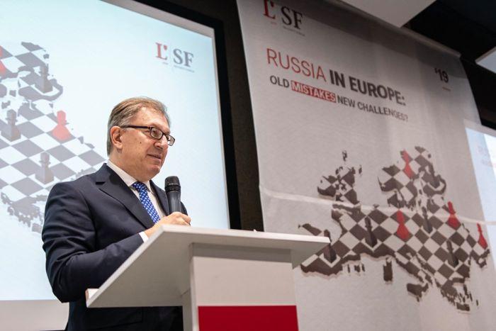 Помощник генсека НАТО Таджан Илдем обещал во Львове усилить Альянс в Чёрном море