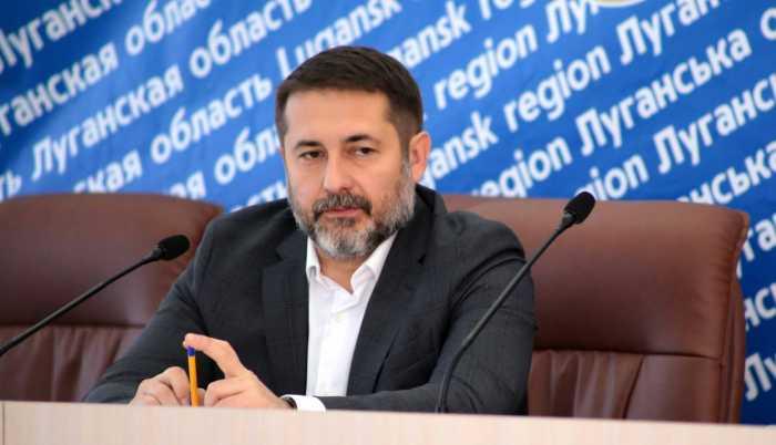 Глава Луганской областной государственной администрации Сергей Гайдай считает, что жителям Донбасса нужно проходить «огромный путь» смены самоидентификации