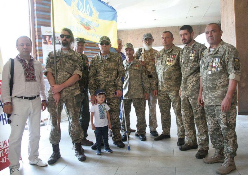 Ветераны боевых действий на Донбассе – активисты Народного руха Украины на торжествах его 30-летия в Доме художника
