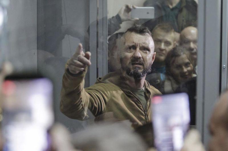 Подозреваемый в убийстве Павла Шеремета нацист Антоненко в зале суда