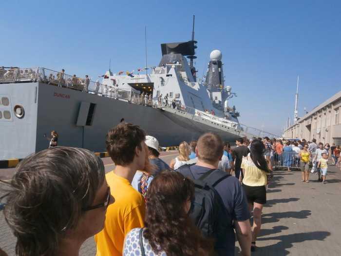 Желающие побывать на кораблях НАТО