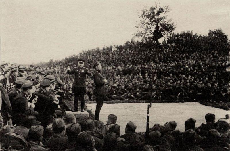 Архивное фото. Краснознамённый ансамбль красноармейской песни и пляски СССР, 1941 год