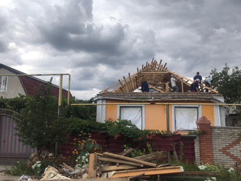 Восстановление разрушенных домов в посёлке Весёлое.