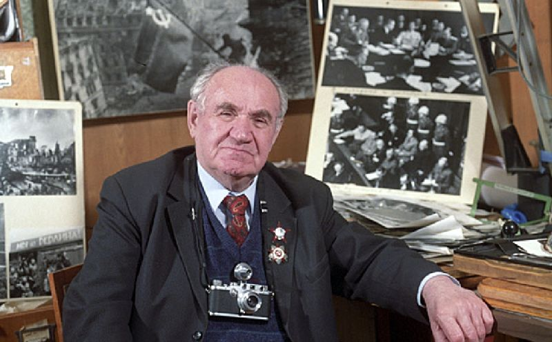 Евгений Халдей, 1995 год