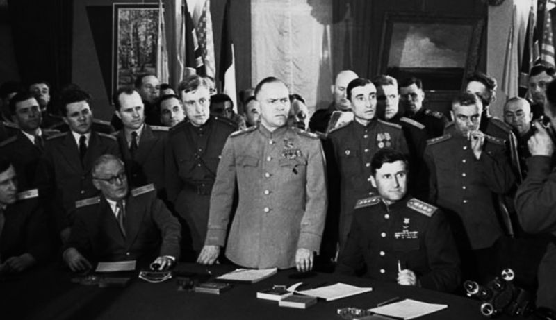 Маршал Г.К. Жуков – глава советской делегации на подписании акта о капитуляции Германии (Берлин, Карлсхорст, 8 мая 1945 г.)