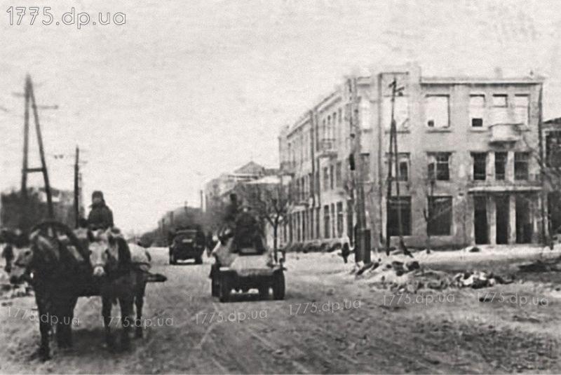 Проспект Карла Маркса после освобождения  Февраль 1944 года. Автор фото Озерский И.