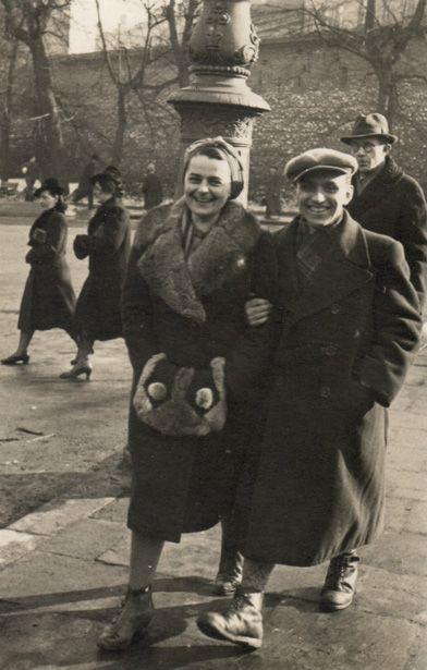 Василий Кук и руководитель референтуры пропаганды ОУН Филя Бзова. Краков, 1940 год.