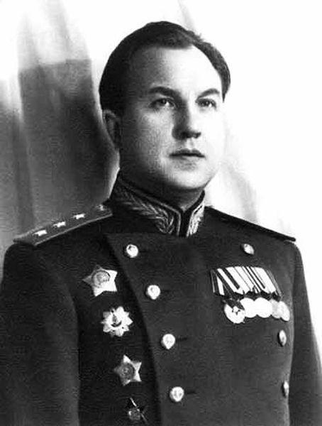 Руководитель СМЕРШ комиссар госбезопасности 2 ранга Виктор Абакумов