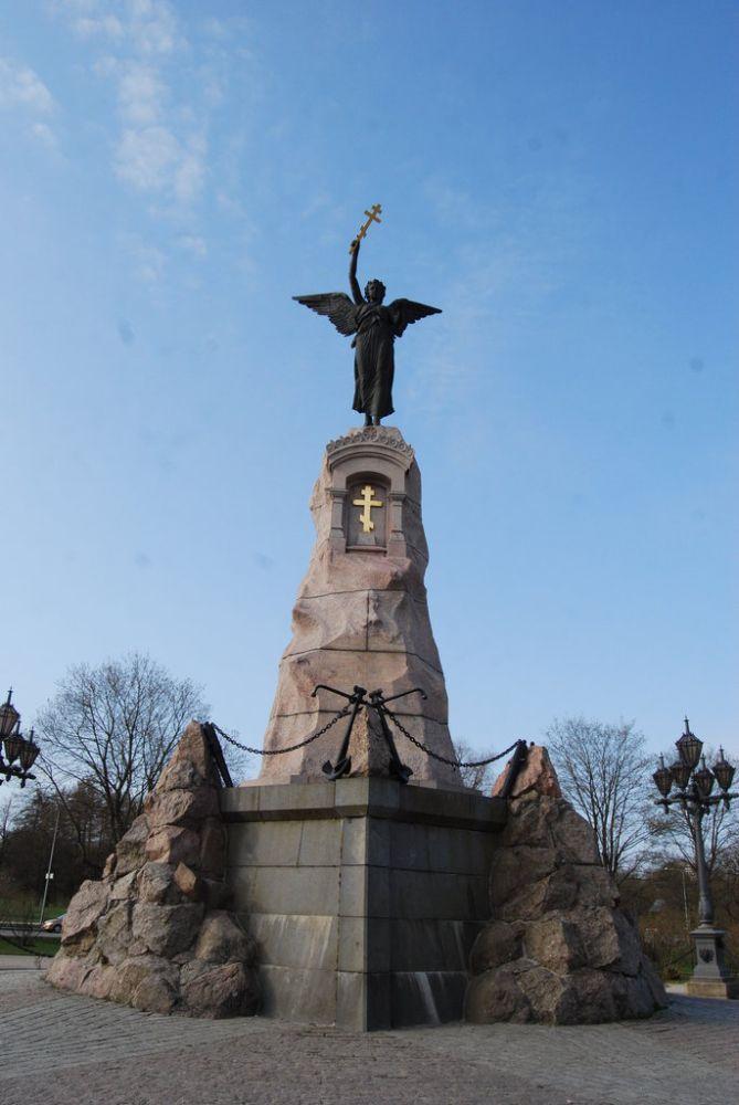 Памятник экипажу броненосца «Русалка» в Таллинне, корабль затонул в Финском заливе в сентябре 1893 года