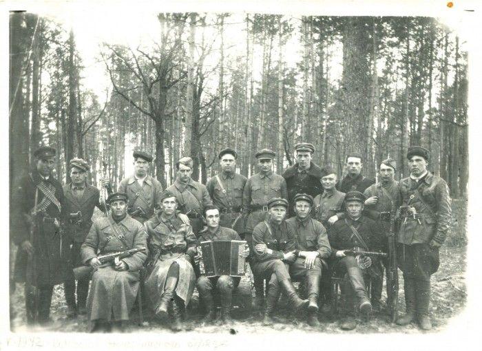 Командование Червоного (Эсманского) отряда. 1942 год.