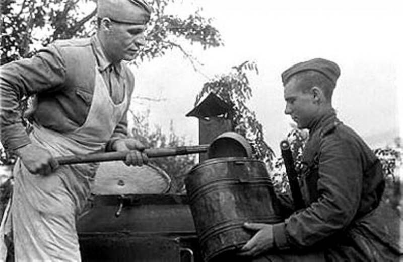 Военно-полевая кухня: война войной, а обед по расписанию