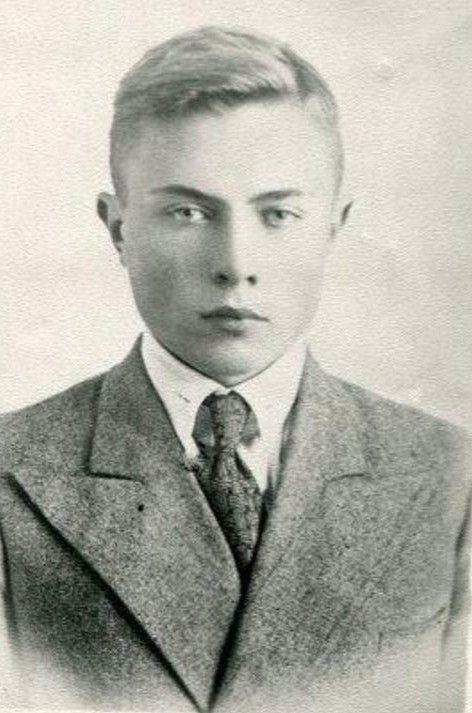 Анатолий Добродецкий. 1940 год