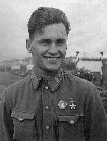 Харьковчанин Алексей Катрич 11 августа 1941 года совершил первый в мире высотный таран
