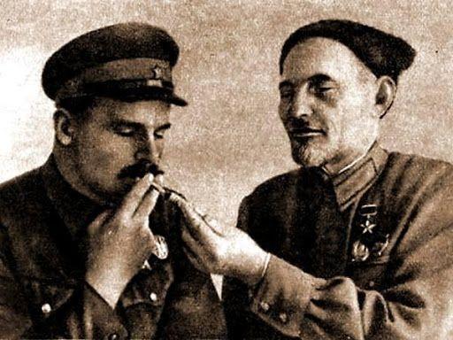 Командир отряда Сидор Ковпак и комиссар Семён Руднев