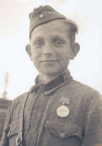 «Юный разведчик Ваня Михаленко, Калининский фронт, 1942 год»