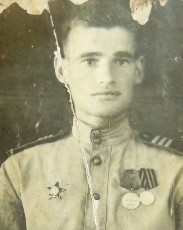 Солдат Алексей Скурлатов