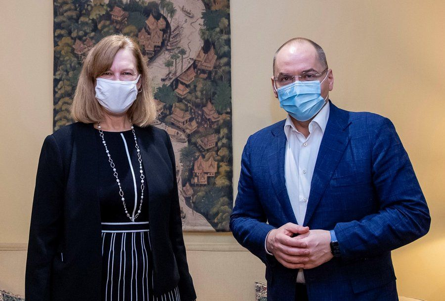Министр здравоохранения получил директивы в американском посольстве