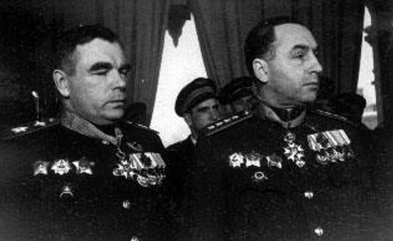 Маршал А.М. Василевский и генерал армии А.И. Антонов