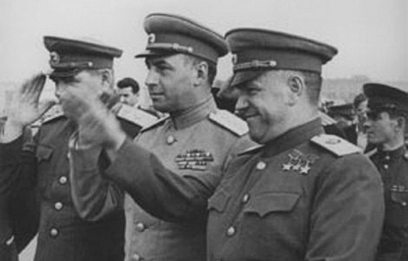 Маршал Победы Г.К. Жуков и архитектор Победы генерал армии А.И. Антонов