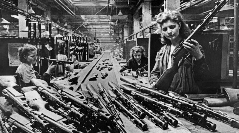 Производство ППШ-41 во время войны.