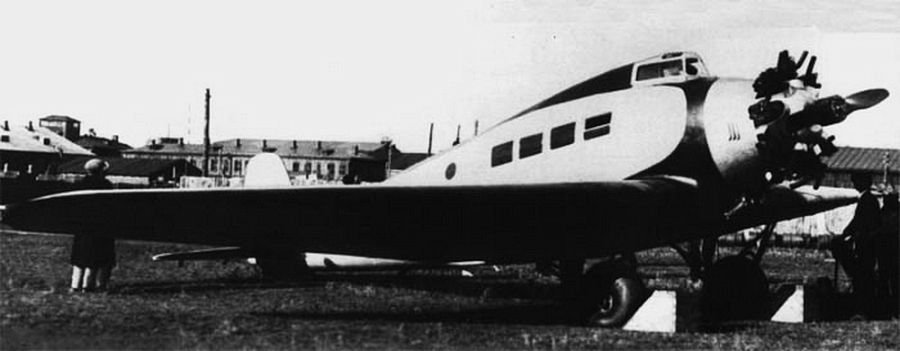 Самолёт «ХАИ-1». Редкий случай, когда гражданская машина послужила прототипом боевой (бомбардировщика и штурмовика «ХАИ-5», индекс «Р-10»)