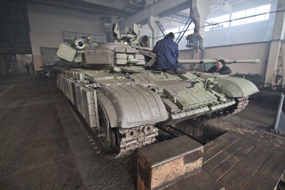 Киевский бронетанковый завод ремонтирует танки для АТО-ООС
