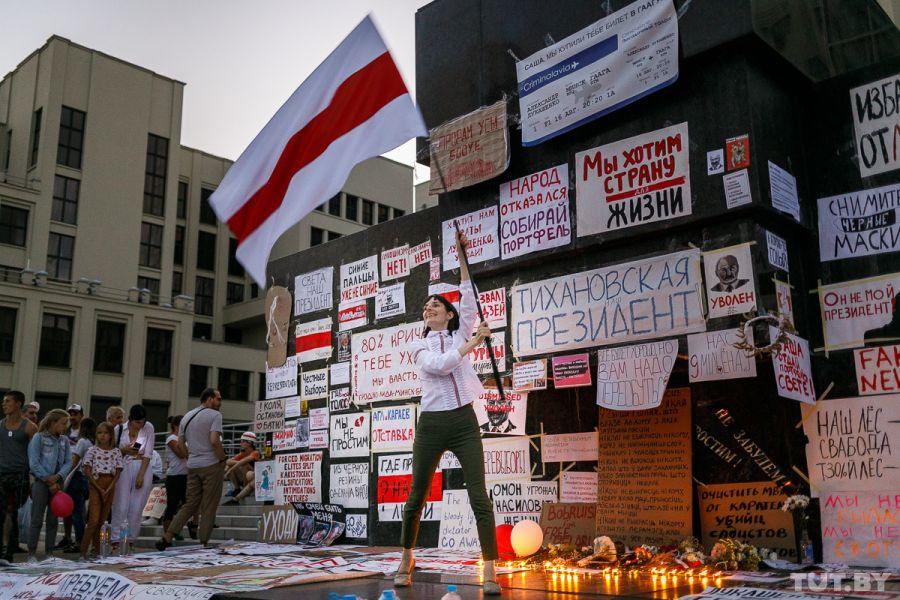 Теперь лозунг протеста – не пересчёт голосов, а требование отставки