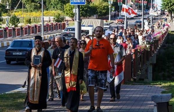 Протесты подогревают и религиозные общины, особенно те, которые увидели для себя перспективы, подобные украинским