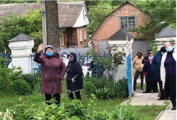 Беззаконие в Луке-Мелешковской продолжается