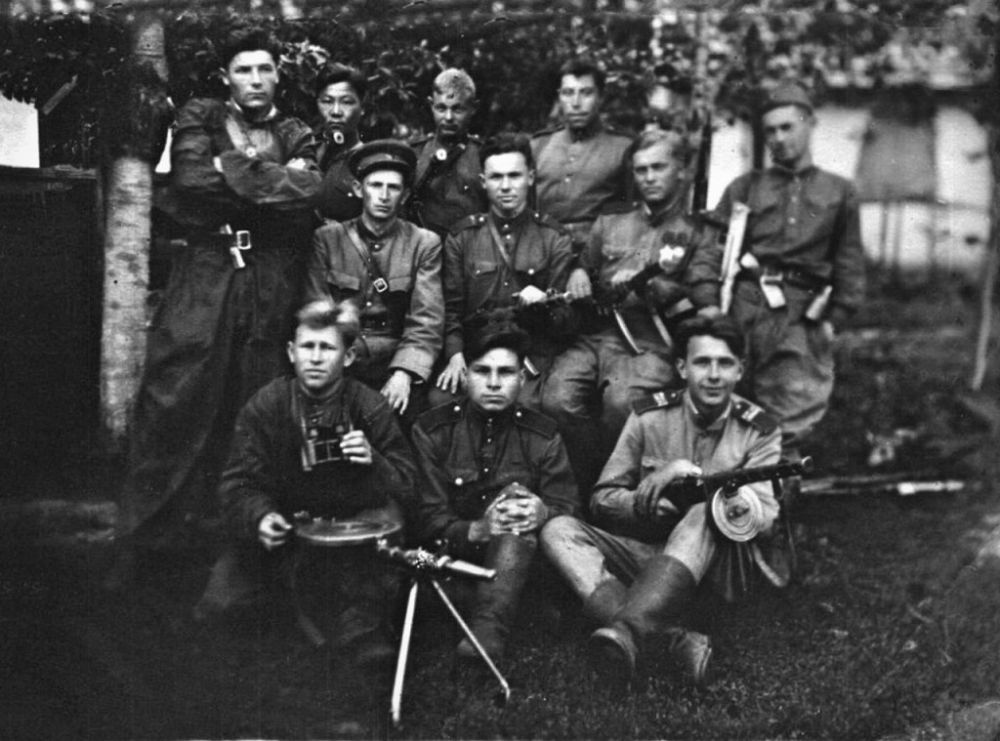 Бойцы 281-го особого оперативного полка НКВД СССР