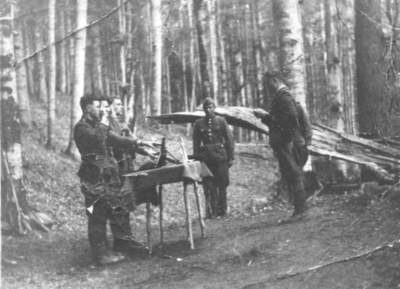Клятва на пулемёте в тактическом подразделении «Чёрный лес»