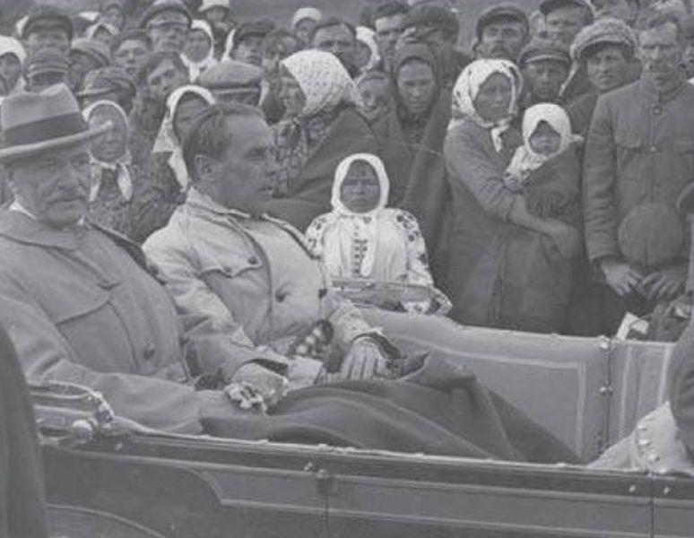Президент Игнаций Мосцицкий и воевода Генрик Юзевский, Волынь, июнь 1929 / Архив механической документации, Варшава.