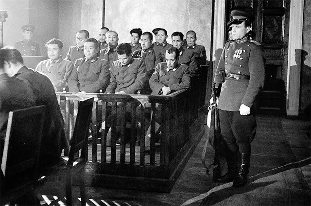 Подсудимые в зале суда на Хабаровском процессе