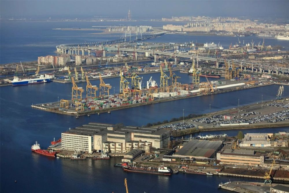 Морской порт Санкт-Петербурга