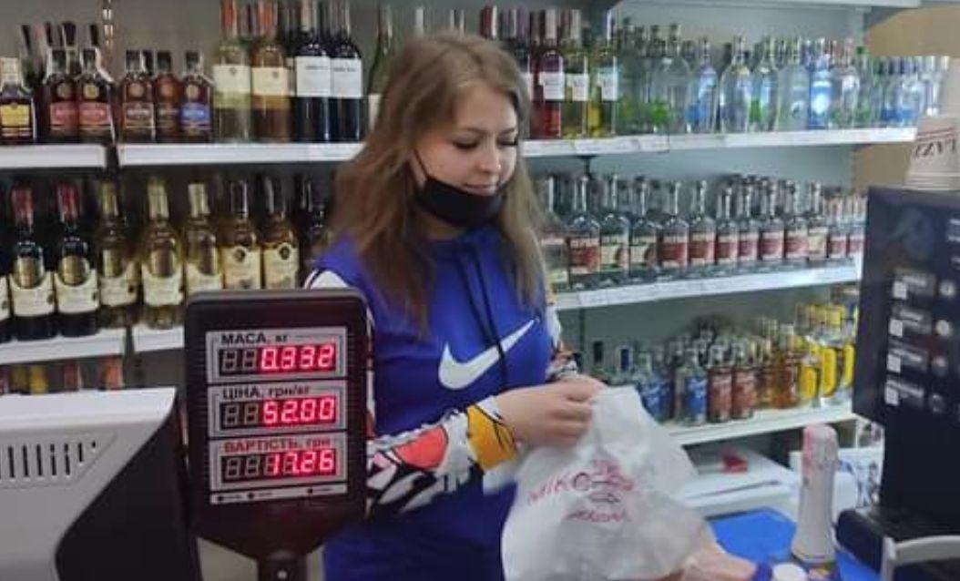 Бывший депутат Олег Барна нажаловался на магазинчик, где его отказались обслуживать на мове