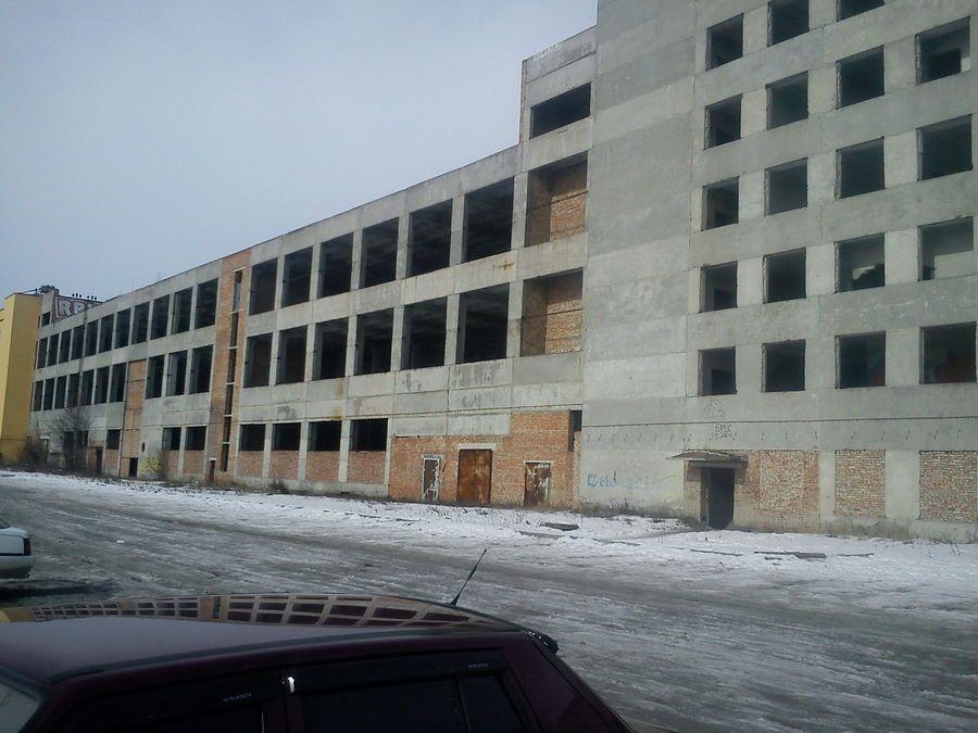 Разрушенное незалежностью здание тернопольского завода радиотехнической аппаратуры «Орион»
