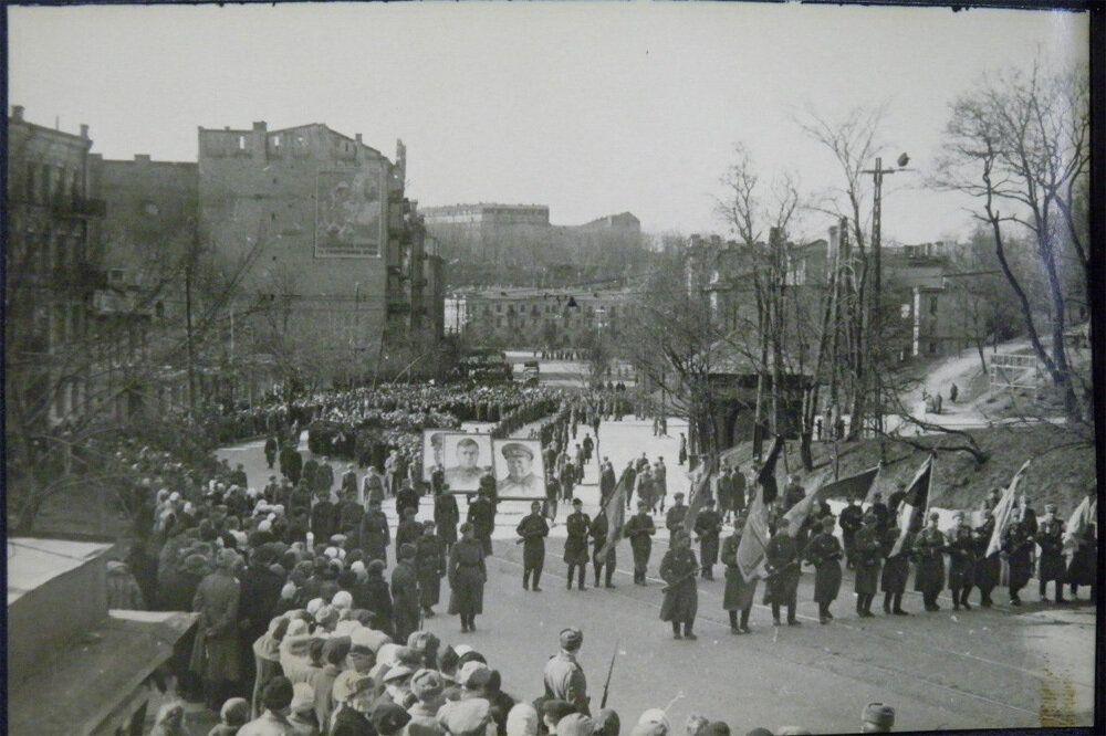 Киев 17 апреля 1944 года. Похороны Ватутина