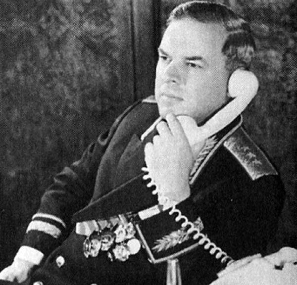 Владимир Семичастный в рабочем кабинете Председателя КГБ СССР