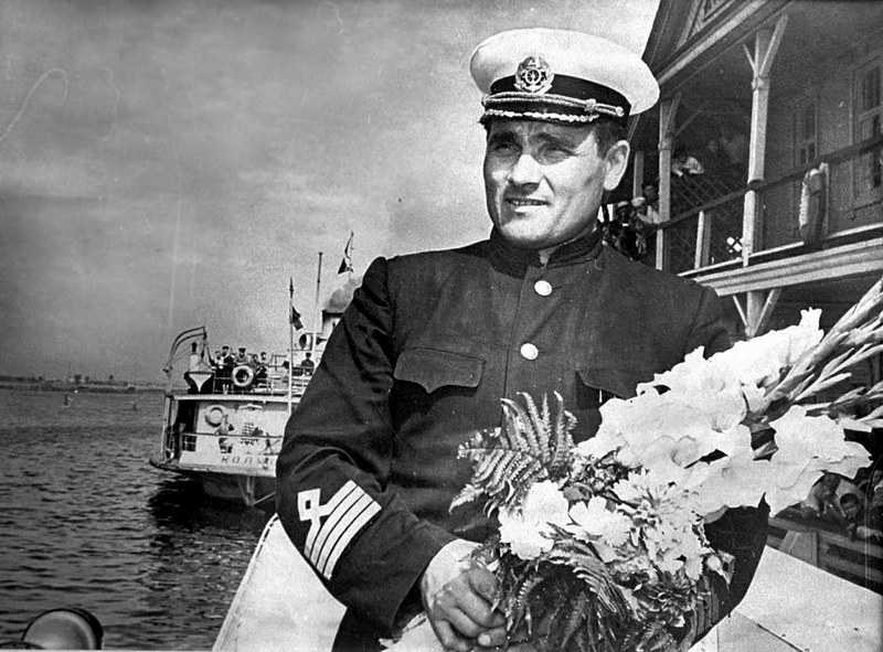 Капитан «Ракеты» Михаил Девятаев