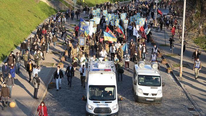 Экспансия на Восток. Марш в честь дивизии СС «Галиция» 28 апреля 2021 года в Киеве.