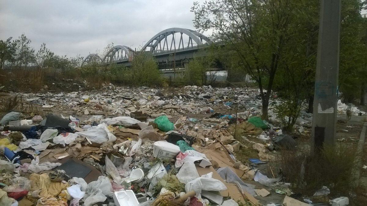Реки превращаются в мусорники