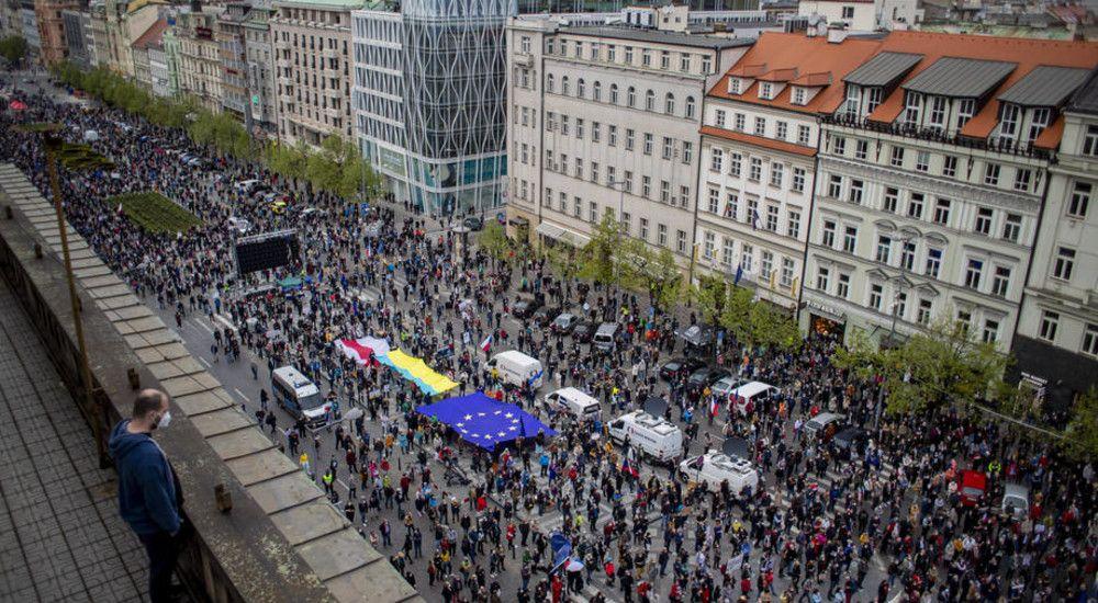 «Прапорная перемога» на акции в Праге