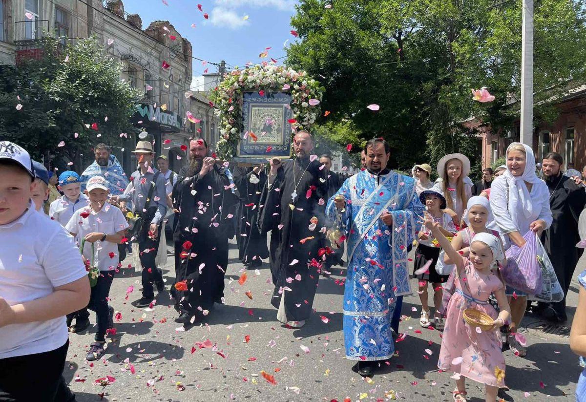 В Херсон для участия в Крестном ходе доставлена чудотворная Касперовская икона