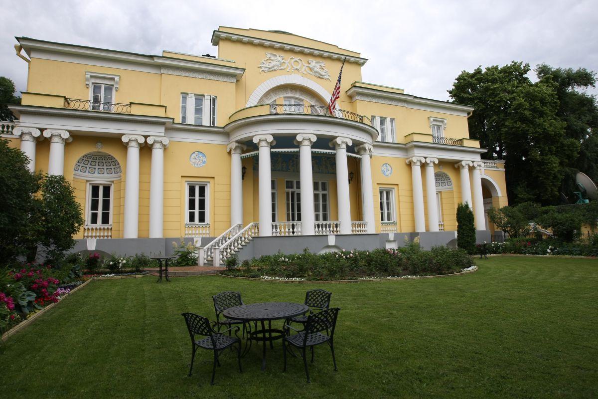 Спасо-Хаус – американское посольство в Москве